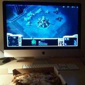 Rien de meilleur qu'une pizza 4 fromages devant un tournoi StarCraft 2.