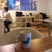 Mon mug Twitter me suit partout.